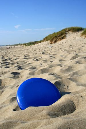 hardness: Frisbee in sand
