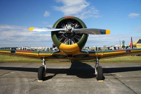undercarriage: Harvard, British airplane