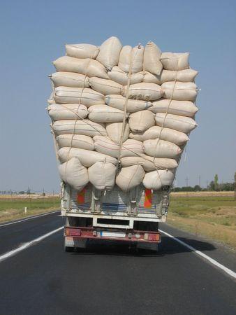sidelight: Overloaded truck