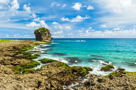 Rotsachtige kust langs de Stille Oceaan, Kenting, Taiwan Stockfoto