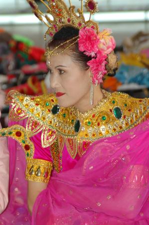 ethnics: Dai ethnics women