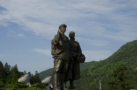 statue at Jinggang Mountain