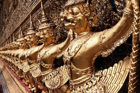 Garuda Wat Pra kaew side photo