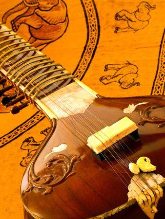 bollywood: Primer plano de un instrumento sitar indio