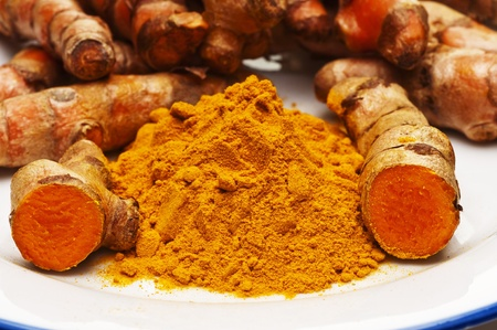 turmeric, root and powder Standard-Bild