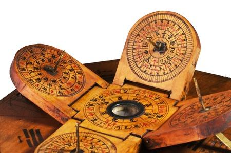 reloj de sol: antiguo reloj de sol chino