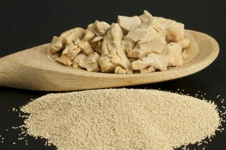 levadura: ingrediente de polvo de hornear levadura y la levadura fresca