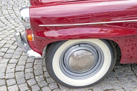 sidewall: white sidewall tire