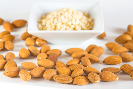 almonds, whole and minced