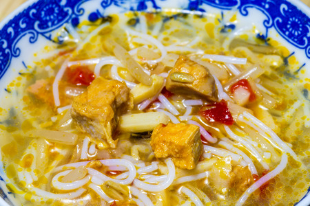 chinese noodle: chinese noodle soup