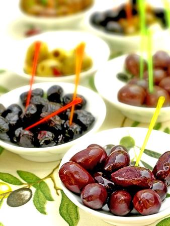 grasas saturadas: aceitunas, ofrecen a la venta de la calle