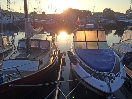 backlighting: Sailboat in backlighting