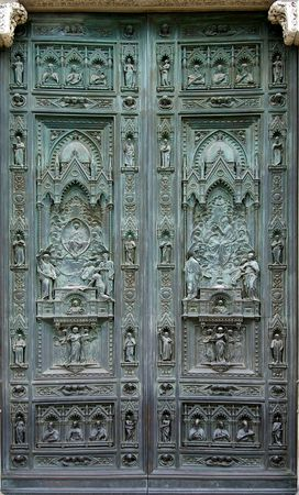 DEtail of the door of a church in Flor4ence