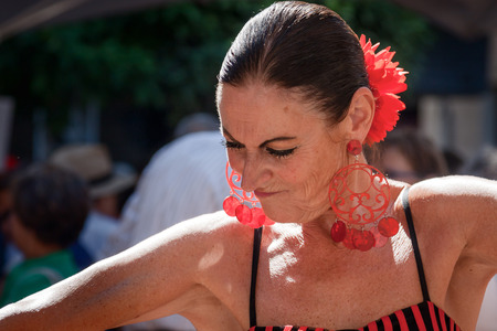 bailando flamenco: Mujer bailando flamenco en Andaluc�a Espa�a