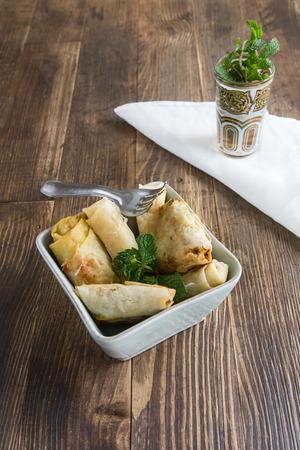 arabic food: Comida t�pica marroqu� y �rabe en la madera vieja