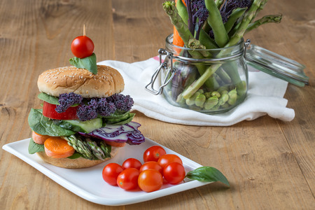 vegetarian hamburger: Vegan burger with fresh and healthy vegetables