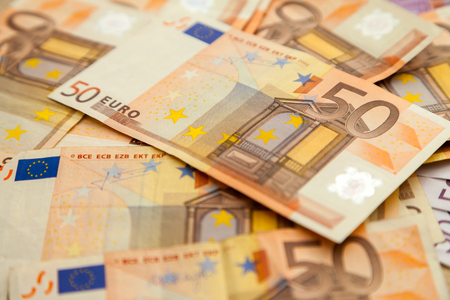 billets euro: cinquante billets en euros