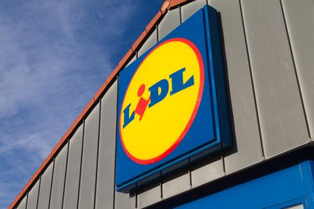 BURG / GERMANY - NOVEMBER 13, 2016: Branch from LIDL supermarket chain. LIDL is a German global discount supermarket chain, based in Neckarsulm, Baden-Wuerttemberg, Germany. Redactioneel