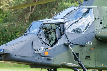 AUGUSTDORF/DEUTSCHLAND - 15. JUNI 2019: Eurocopter Tiger zweimotoriger Kampfhubschrauber der Bundeswehr bei öffentlicher Veranstaltung, Tag der Bundeswehr in Augustdorf 2019.