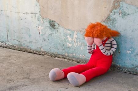 maltrato infantil: La soledad, la tristeza, la persona t�mida o llanto