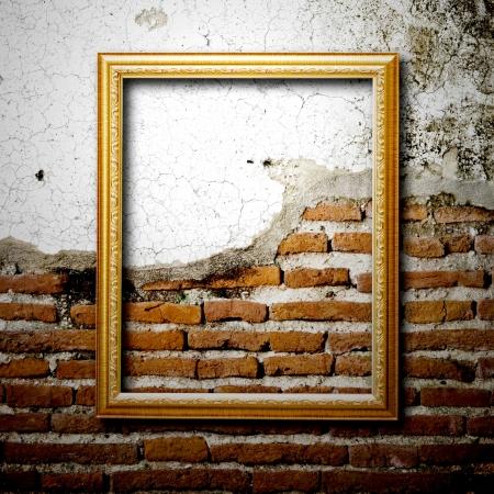 Películas En Oro Pared Vacía Marcos Insertar Su Propio Diseño Fotos ...