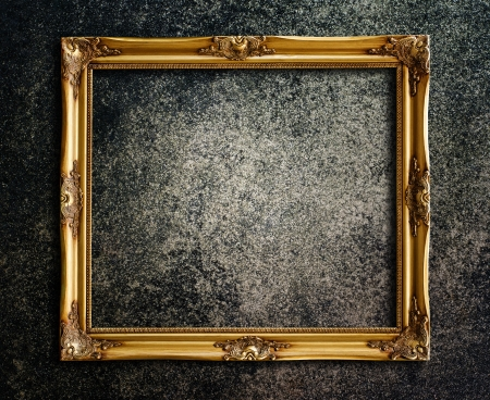 Old picture frame on grunge wall Stock Photo - 14686806