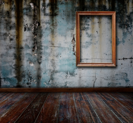 Picture frame put on wall in grunge room  Stock Photo - 15841051