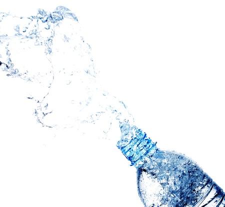 水のしぶきとボトル