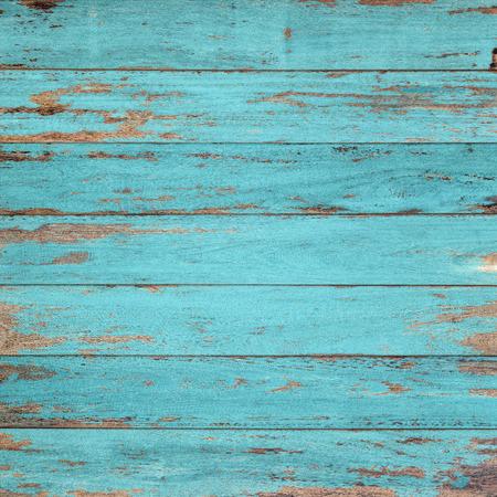 madera: Fondo de madera de la vendimia con la pintura descascarada.