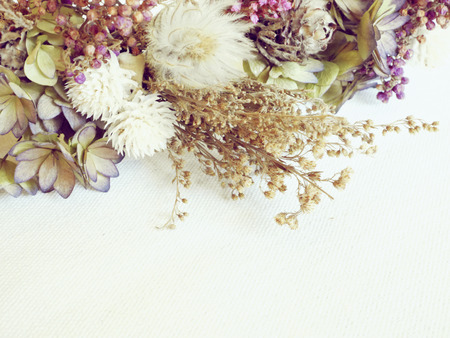 decorations wreaths: Dried Flowers