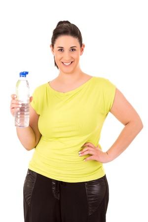 grasse: Belle grande femme exer�ant - isol� sur un fond blanc
