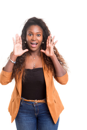 非常に幸せなアフリカ女性のスタジオ撮影