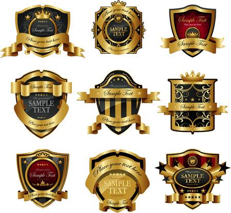 escudo de armas: Decorativas etiquetas ornamentadas doradas