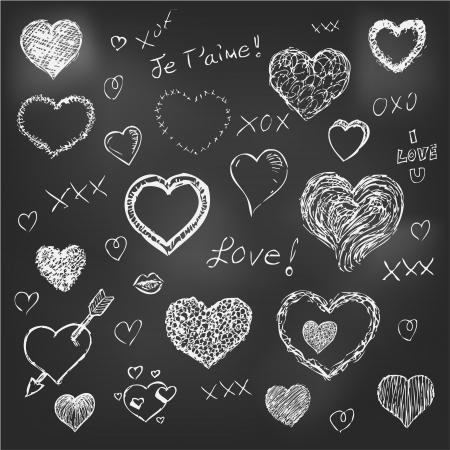 corazones de amor: Conjunto de corazones dibujados a mano sobre fondo pizarra eps 10