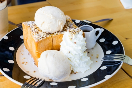 almond honey toast with vanila ice-cream photo