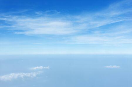 texture of cloud on clear blue sky above PM 2.5 Foto de archivo