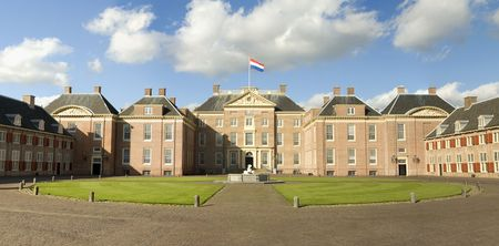 loo: Paleis Het Loo (Royal Palace in The Netherlands)