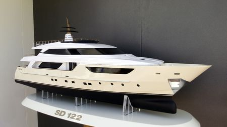 streamlined: Model for a new streamlined motor yacht