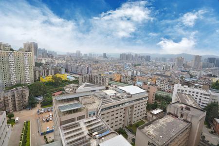 쿤밍, 중국의 스카이 라인, 곤명은 남서 중국과 동남 아시아의 가장 유명한 도시 운남성의 수도입니다