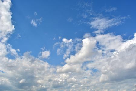 vertex: Blue sky and cloud