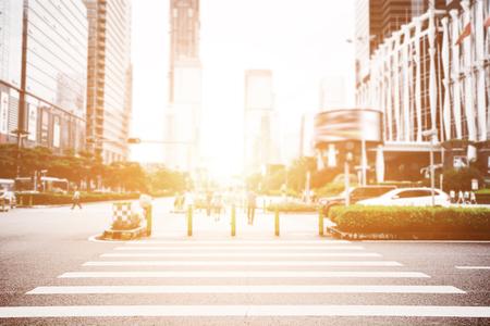 斑馬線現代城市 版權商用圖片 - 71617057