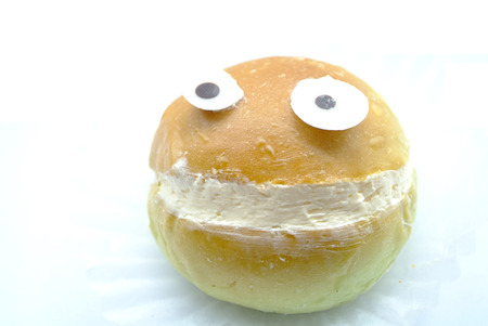 lachendes gesicht: Bread with laughing face