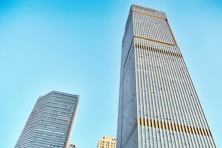深圳市高層建築低角度視圖 版權商用圖片