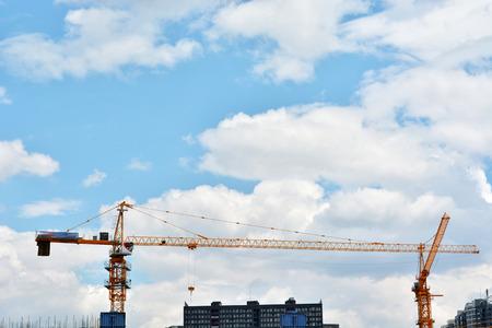 起重機和建築施工現場