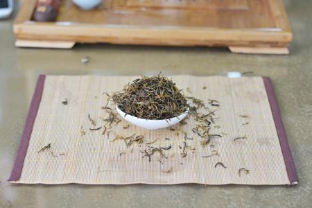 Close up view of tea leaves 版權商用圖片 - 81685211