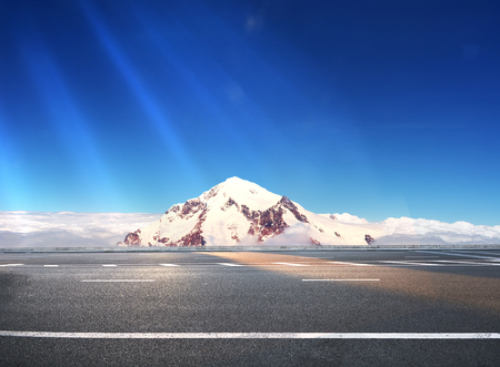 beautiful freeway road 版權商用圖片