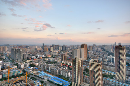 Modern cityscape in Kunming city 版權商用圖片 - 81096559