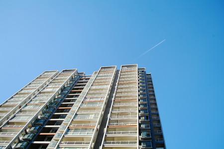 公寓樓 版權商用圖片 - 71431666