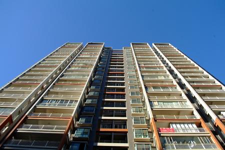 公寓樓 版權商用圖片 - 71431668