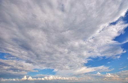 雲天空 版權商用圖片 - 71617088